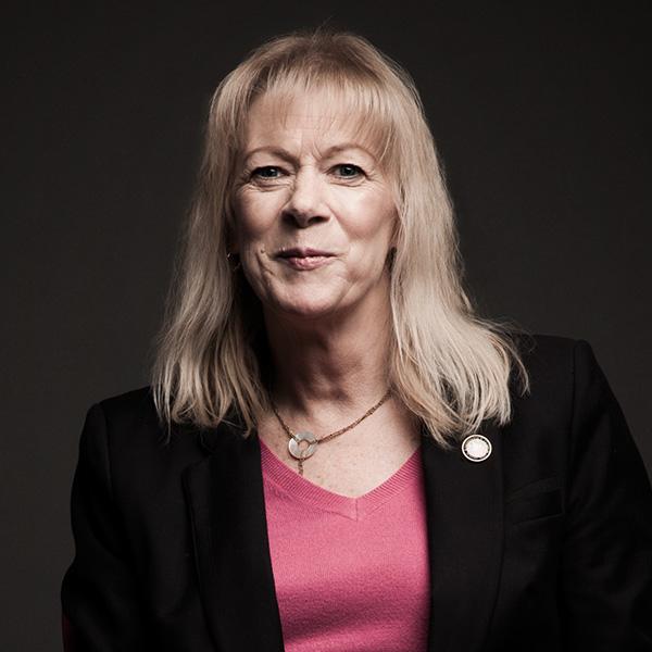 Lesley Buchanan